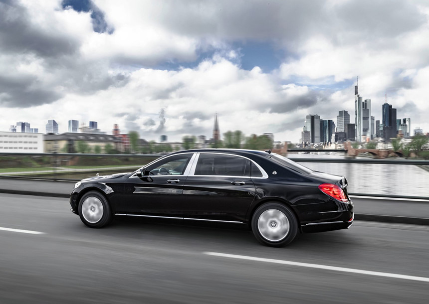 Mercedes-Benz-S600-Maybach